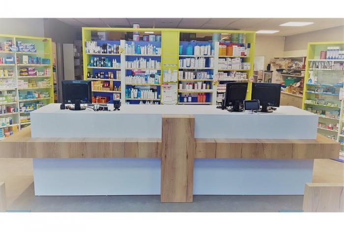 pharmacie aménagement pharmacie à la roche molière par Architéa 42 Loire St Etienne