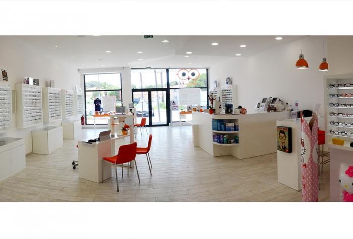optique aménagement intérieur d'un magasin d'optique à perpignan par Architéa Architea France