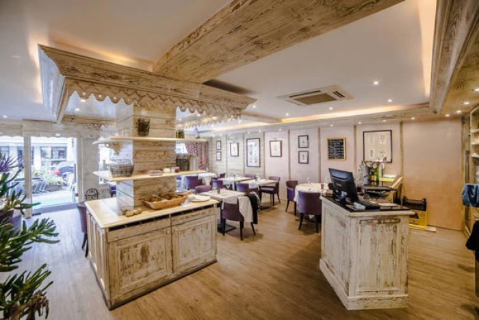 chr réalisation d'un salon de thé dans les vosges par Architéa 88 Vosges